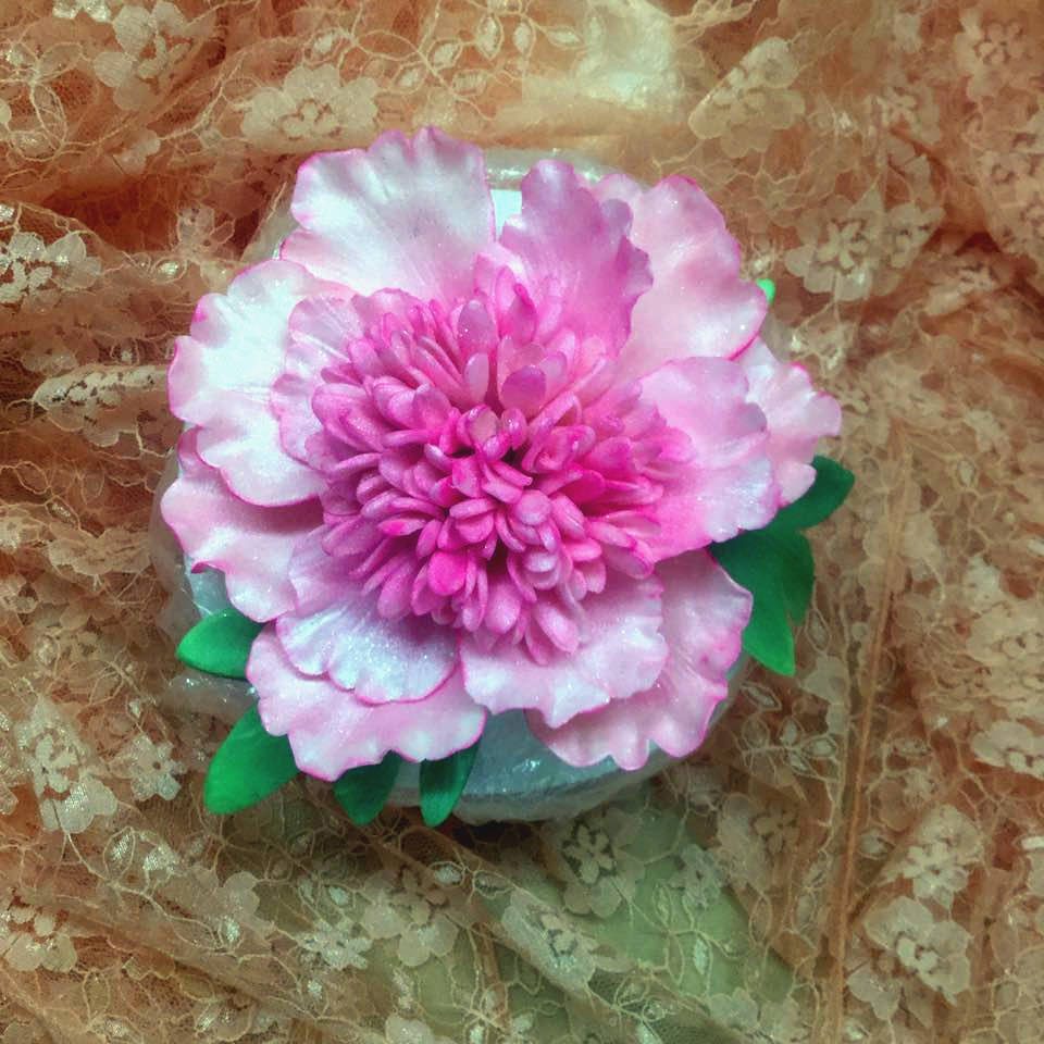 Sugar flower Peony completed at a class