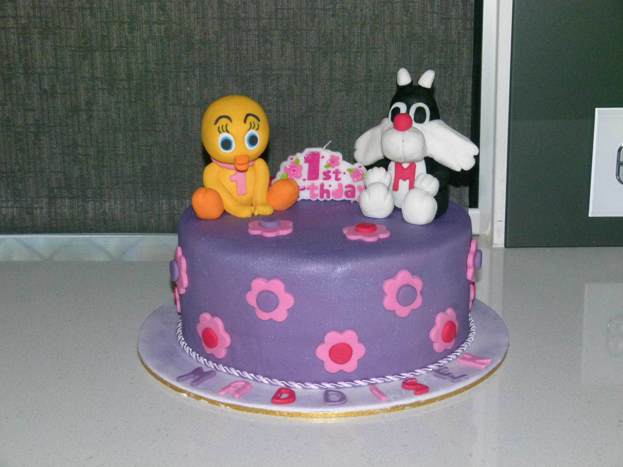 Jenny's Tweety and Sylvester Cake